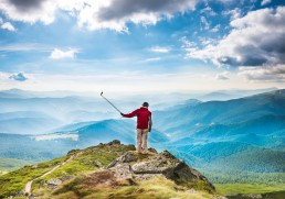 Etiquette of selfie sticks while travelling