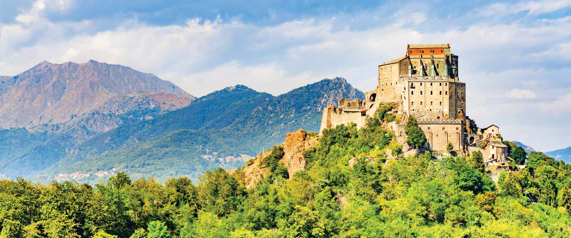 Discover Italy and Switzerland by small group tour