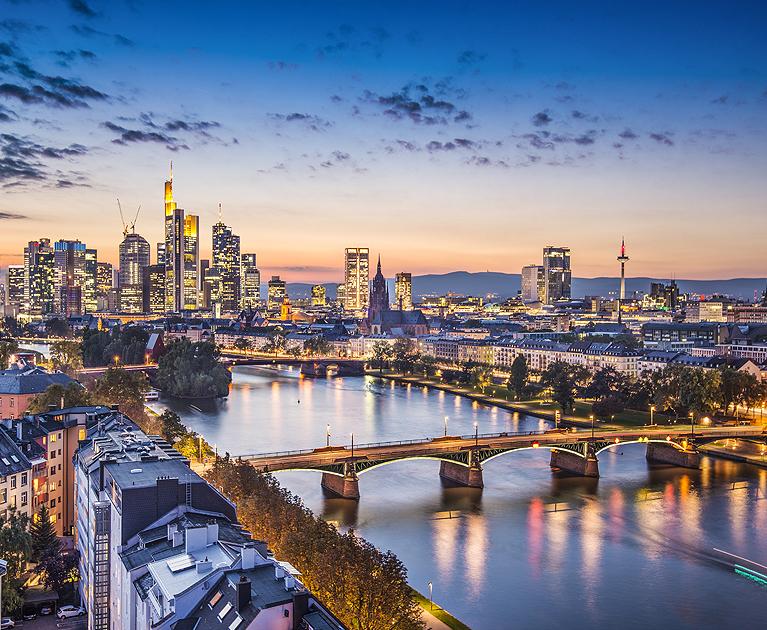 Return economy class to Frankfurt:
