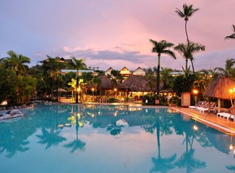 Outrigger Fiji Beach Resort | TravelManagers Australia